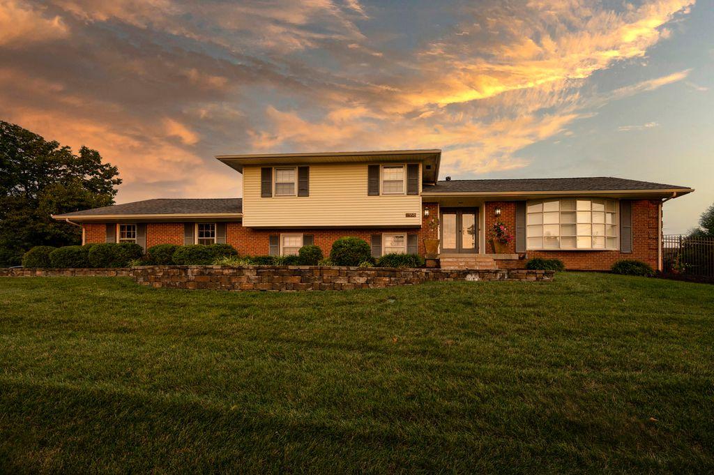 998 Edgewater Dr, Lexington, KY 40502