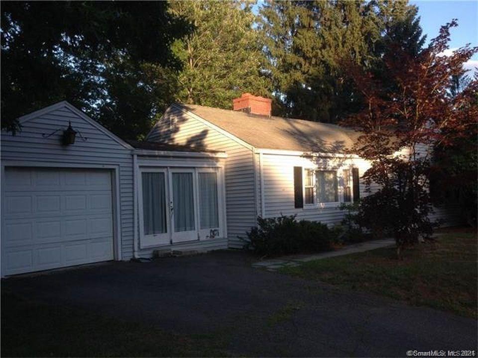 88 Berkshire Rd, West Hartford, CT 06107