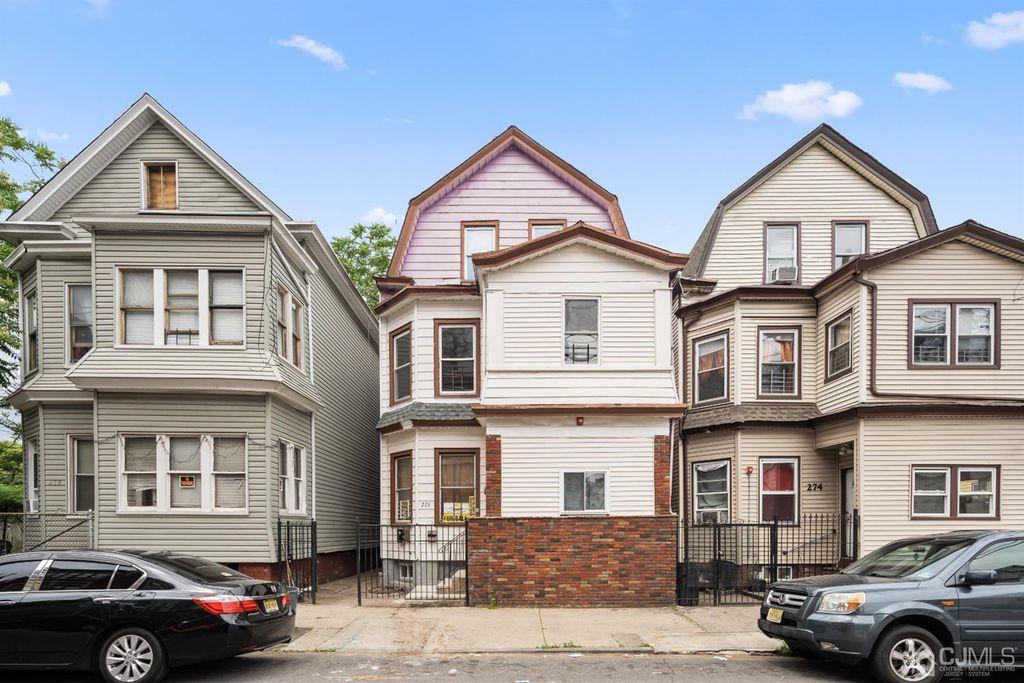 276 Carroll St, Paterson, NJ 07501