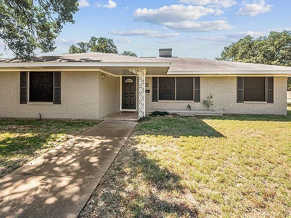 1000 Hereford St, College Station, TX 77840