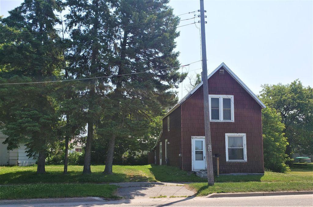 303 Ord St, Sault Sainte Marie, MI 49783