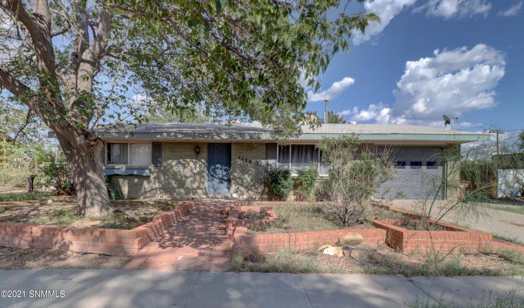 1120 Sharon Cir, Las Cruces, NM 88001