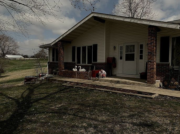 105 Cook St, Downing, MO 63536