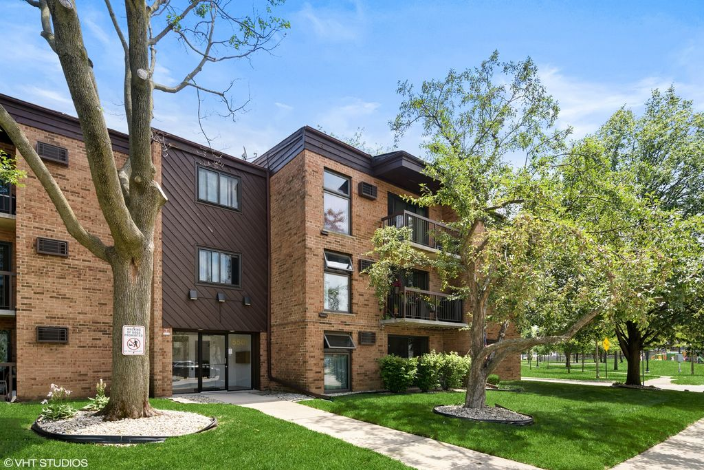 5501 N Chester Ave #19, Chicago, IL 60656
