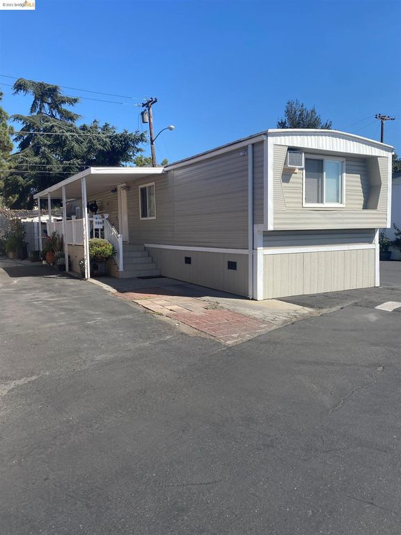 1500 Virginia Pl #106, San Jose, CA 95116