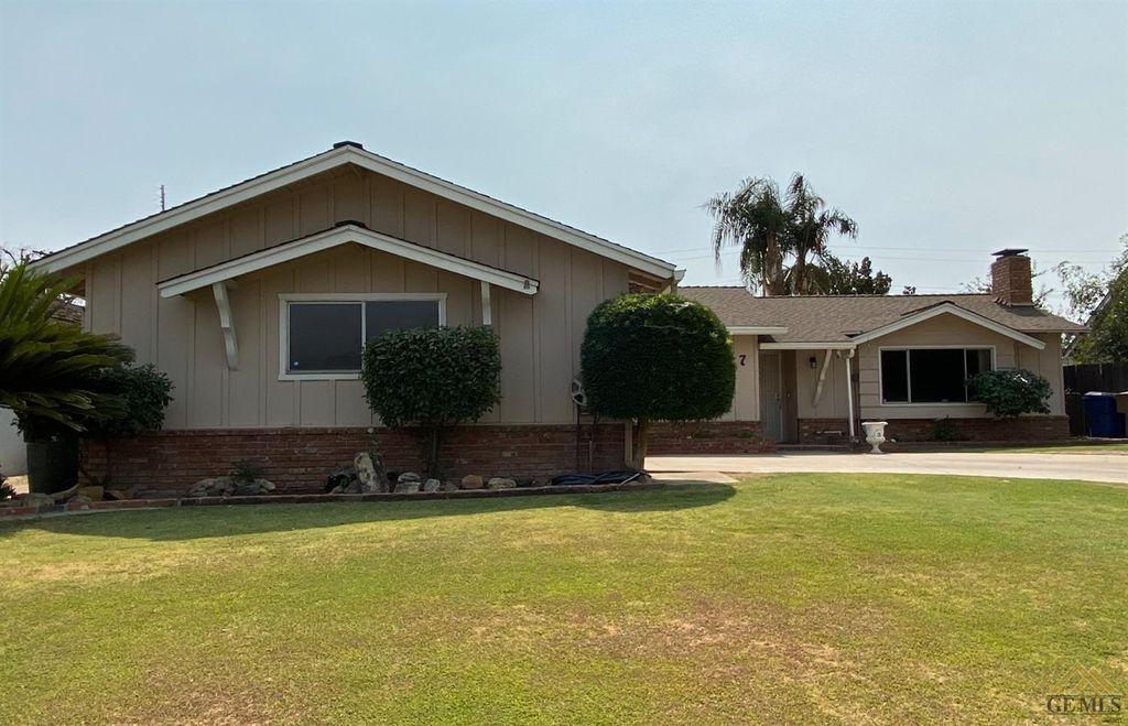 3617 Bianchi Way, Bakersfield, CA 93309