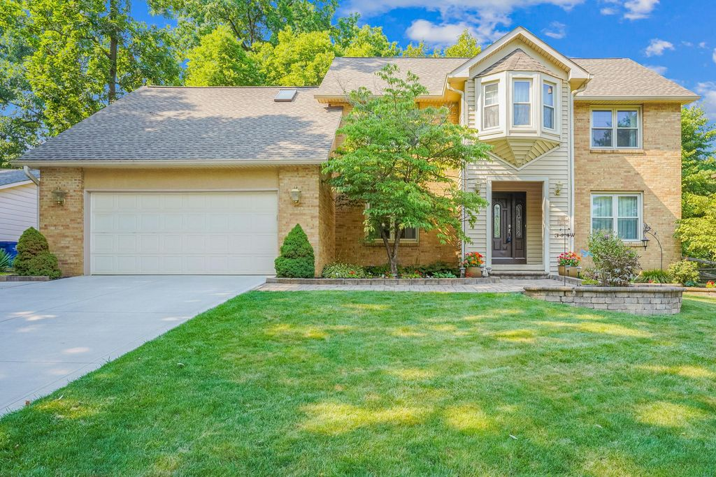 664 Concord Ct, Westerville, OH 43081