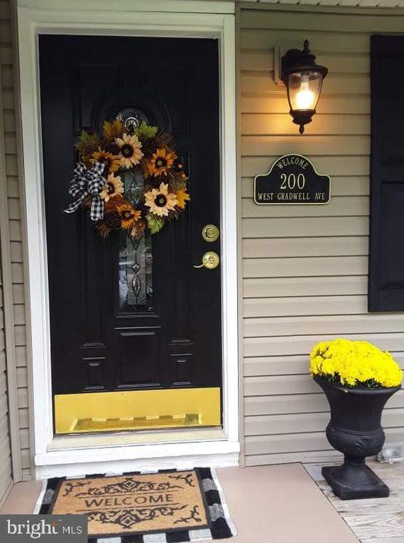 200 W Gradwell Ave, Maple Shade, NJ 08052