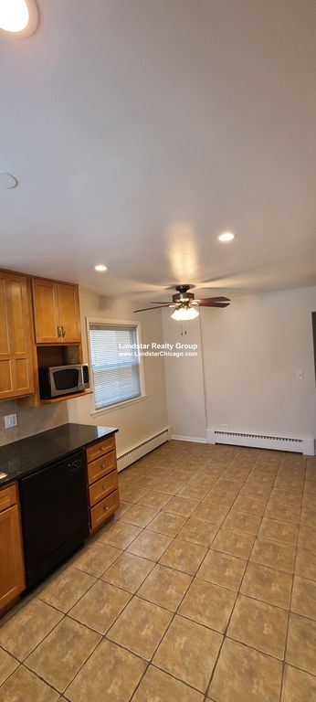 7247 W Touhy Ave #2, Chicago, IL 60631