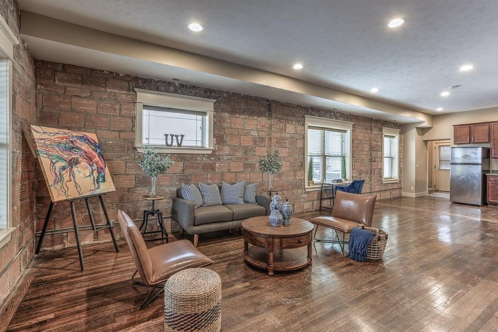 Townhomes For In 68142 21, Crown Furniture Inc Omaha Ne 68137