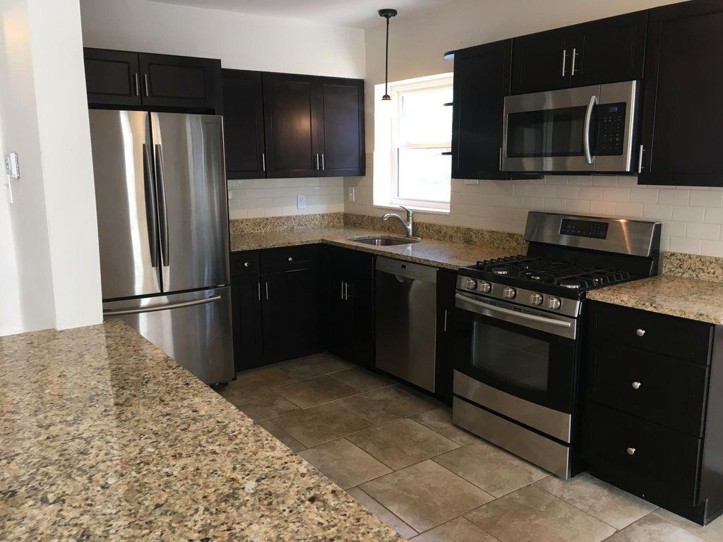 422 S Hanley Rd #1, Saint Louis, MO 63105