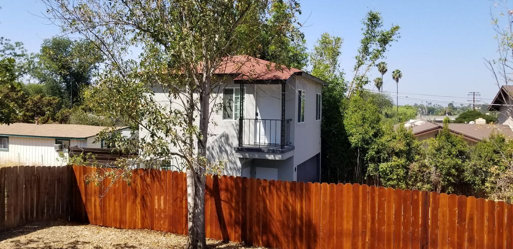 9239 Lemon Ave #1, La Mesa, CA 91941