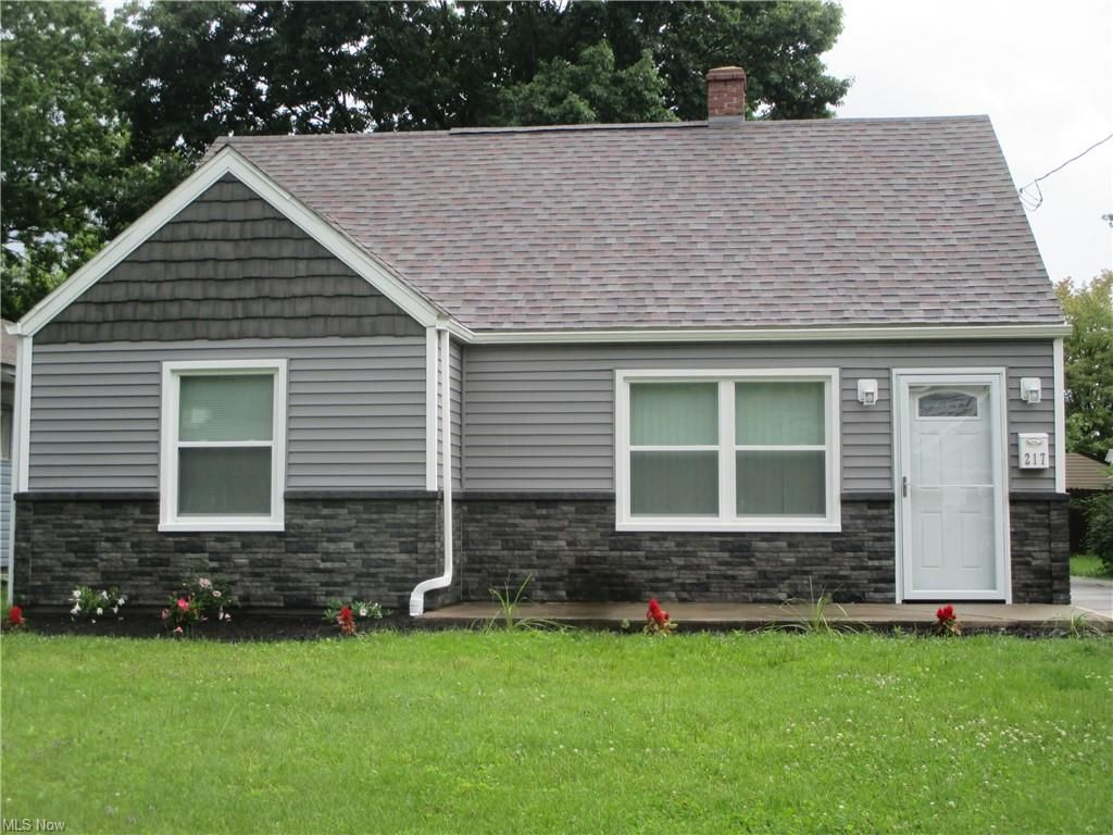 217 Carnegie Ave, Youngstown, OH 44515