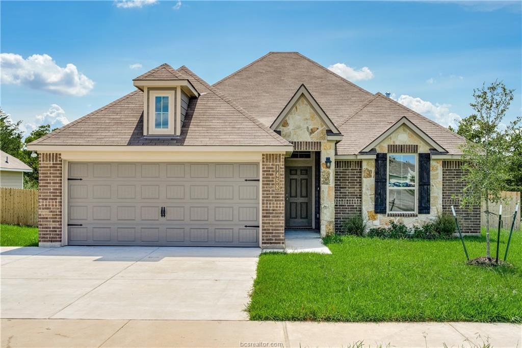 1458 Kingsgate Dr, Bryan, TX 77807