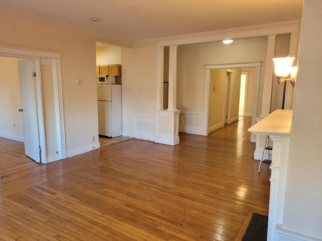 1653 Commonwealth Ave #6, Boston, MA 02135
