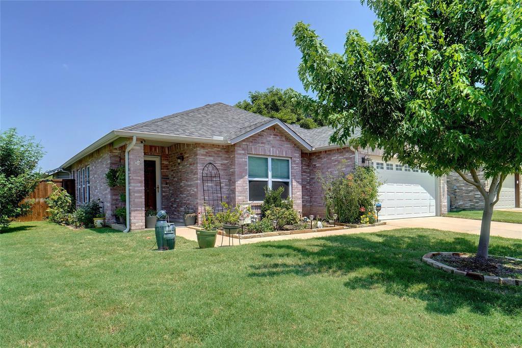 2803 Custer Dr, Corinth, TX 76210