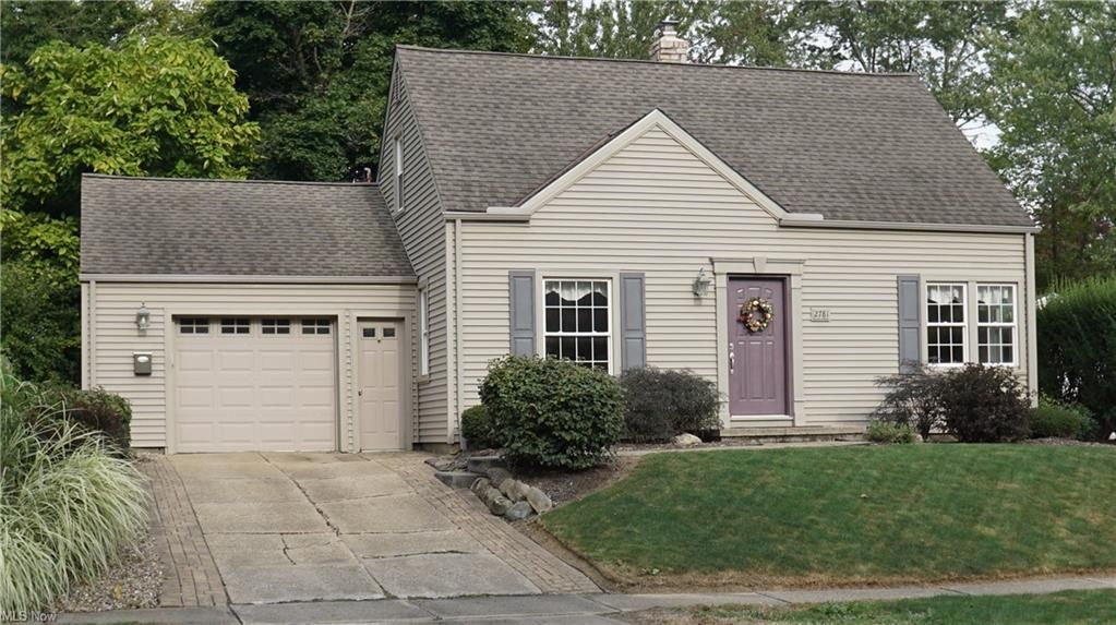 2781 Valley Rd, Cuyahoga Falls, OH 44223