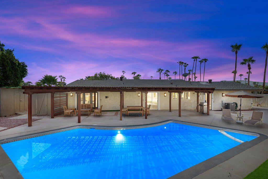 1232 E Delgado Rd, Palm Springs, CA 92262