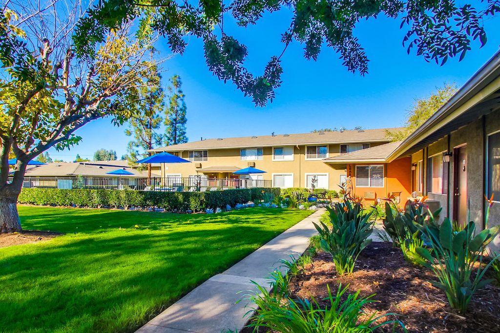 2050 E Grand Ave, Escondido, CA 92027