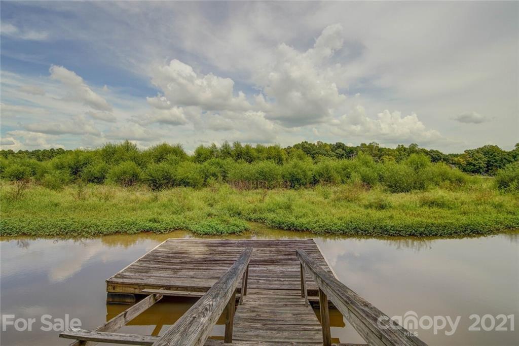 537 Lake Wylie Rd, Belmont, NC 28012