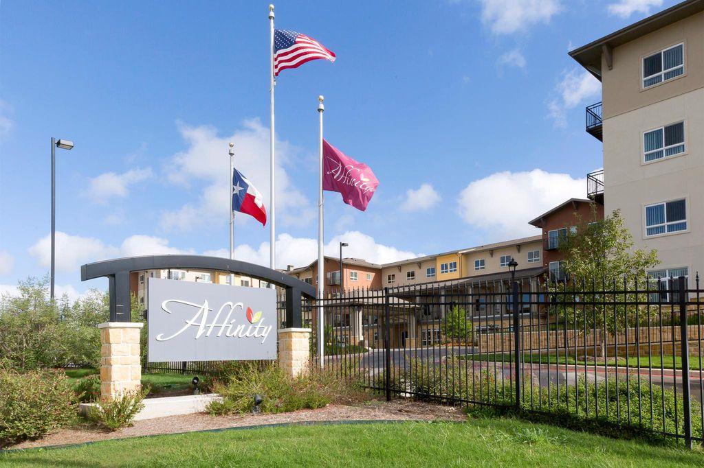 9003 Vista West Dr, San Antonio, TX 78245