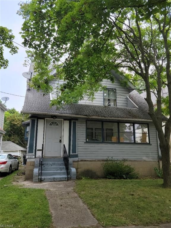 329 Cloverdale Ave, Akron, OH 44302