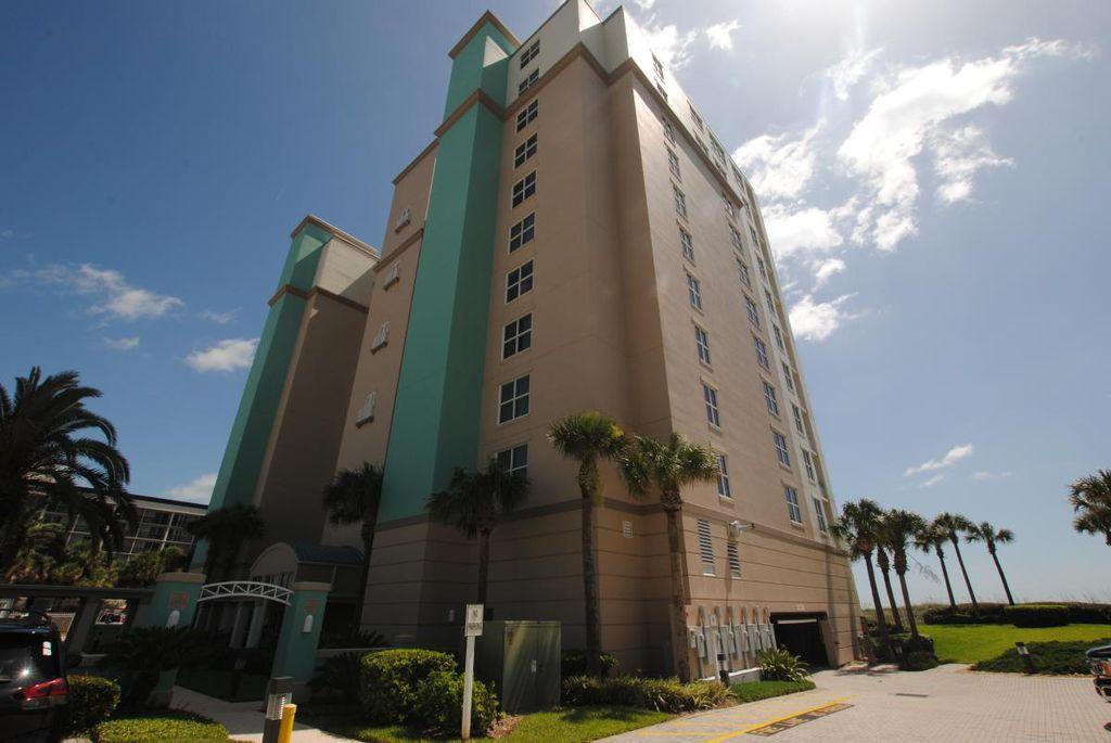 1415 1st St N #304, Jacksonville Beach, FL 32250