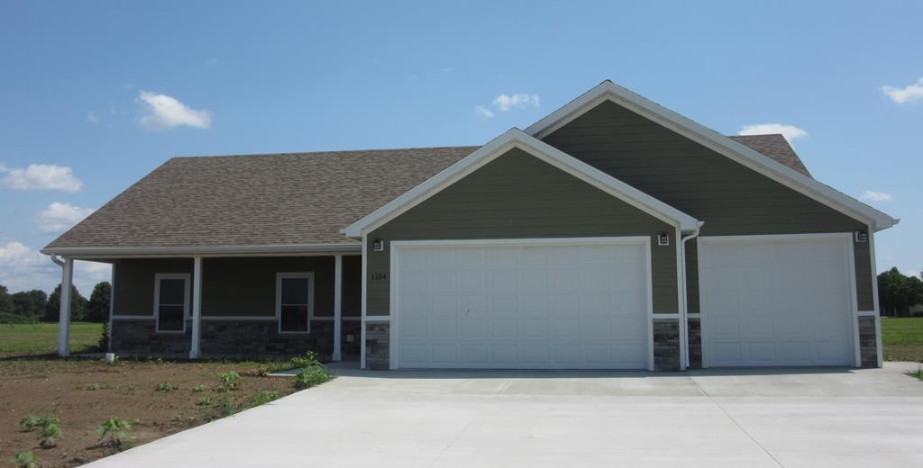 1104 Greystone Ln, Kirksville, MO 63501
