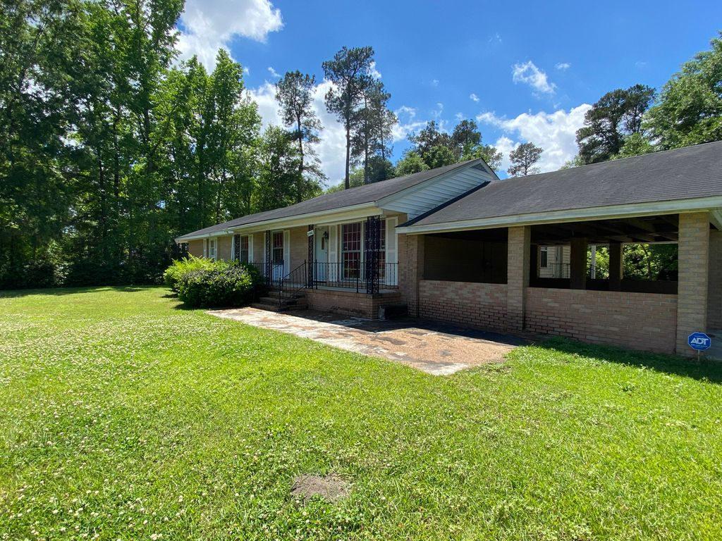 2542 Eutaw Rd, Holly Hill, SC 29059