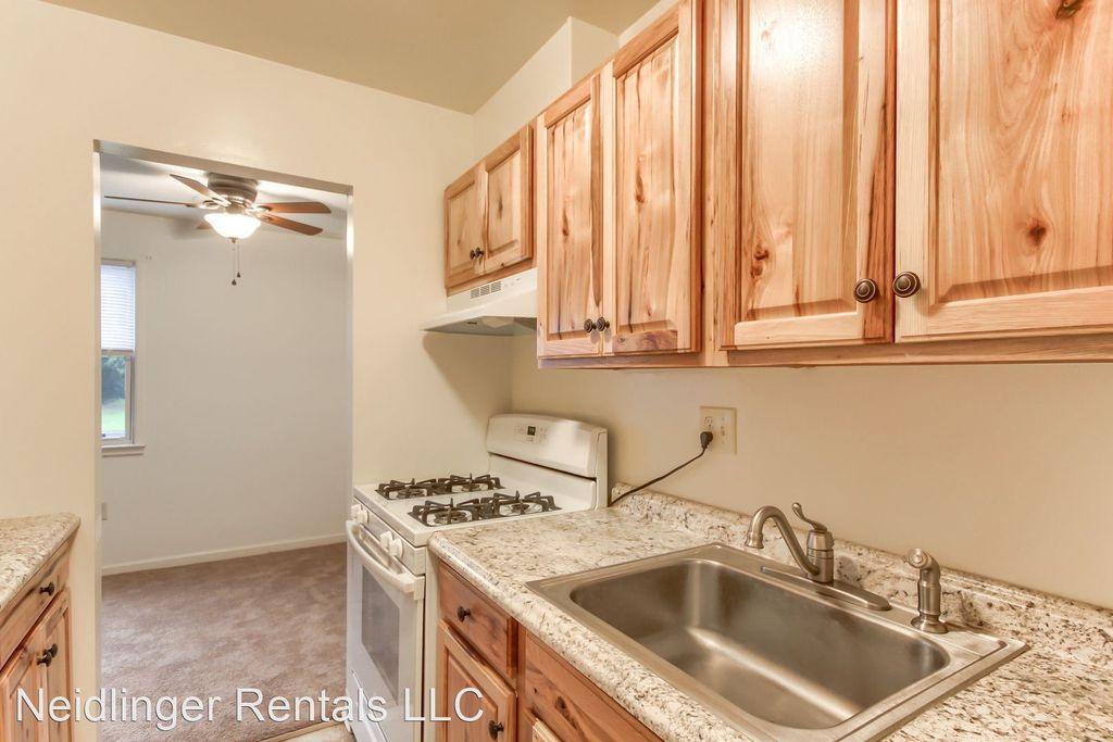 1531 Fishburn Rd #30, Hershey, PA 17033