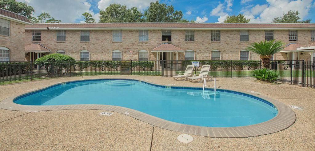 3805 Sherwood Ln, Houston, TX 77092
