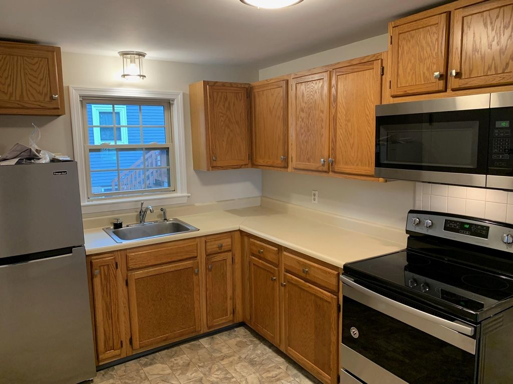 600 Cabot St, Beverly, MA 01915