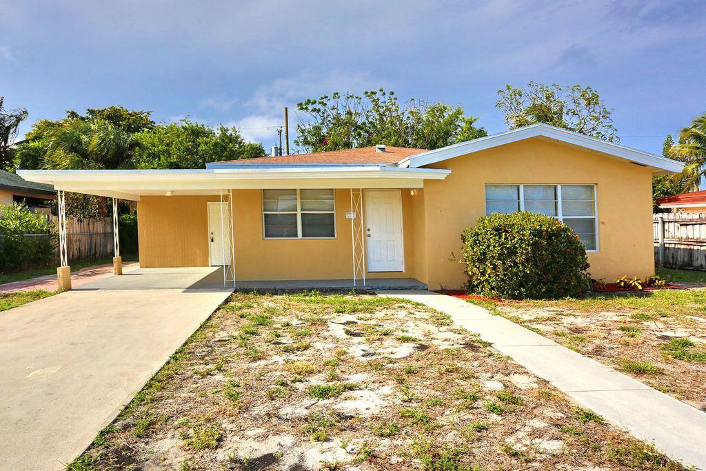 15 SW 8th Ct, Delray Beach, FL 33444