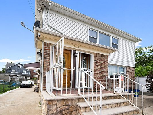 3926 Clearview Expy #2, Bayside, NY 11361