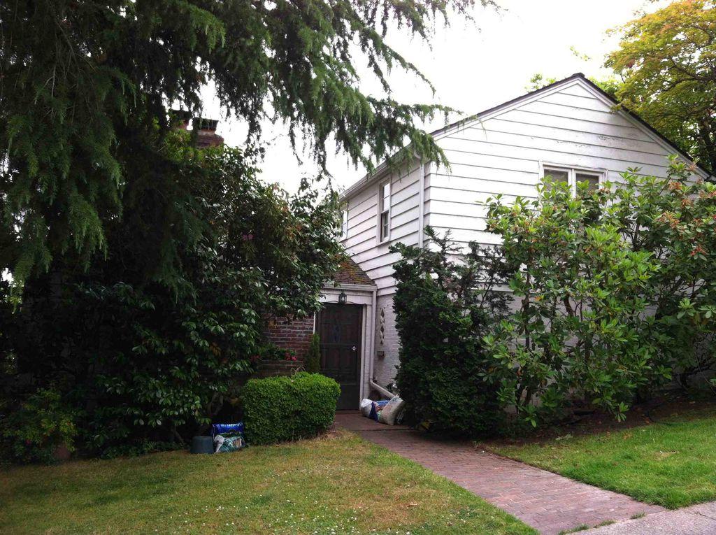 4510 54th Ave NE, Seattle, WA 98105