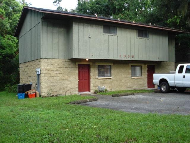 1038 6th Dr #A, Gainesville, FL 32601