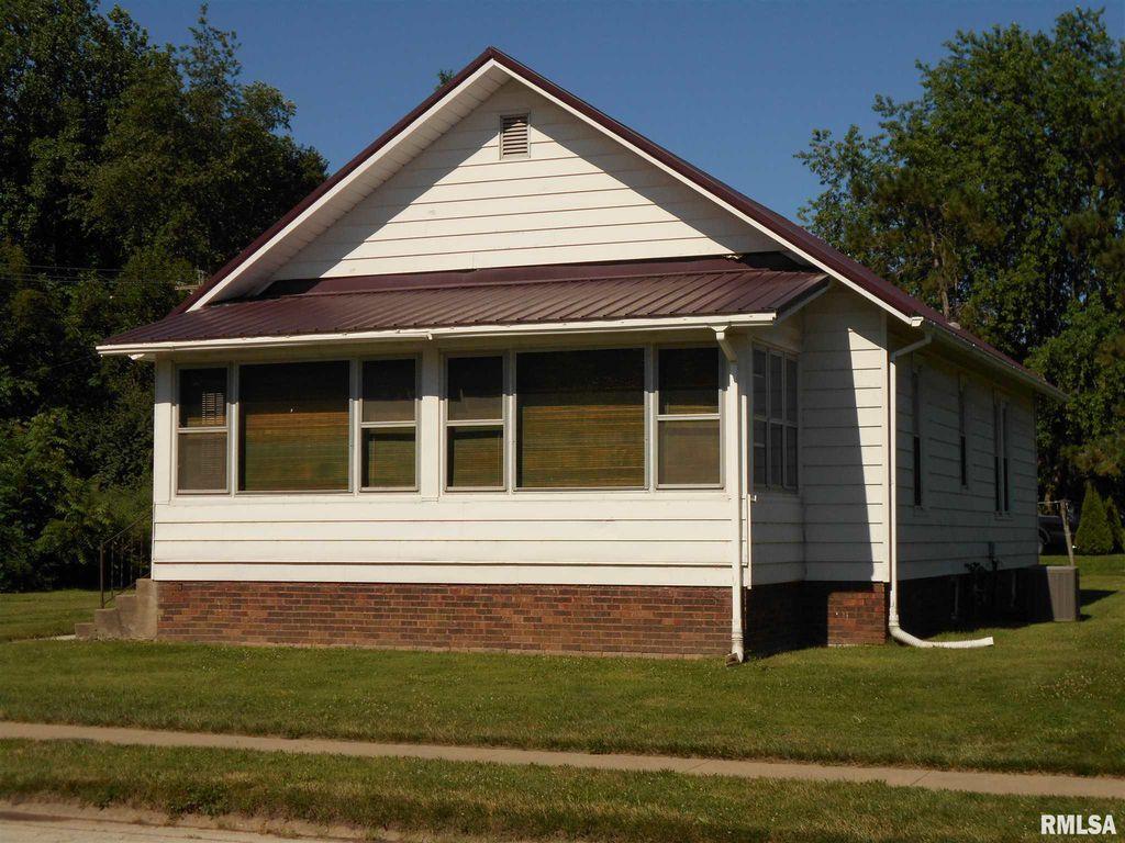 318 N Pearl St, Macomb, IL 61455