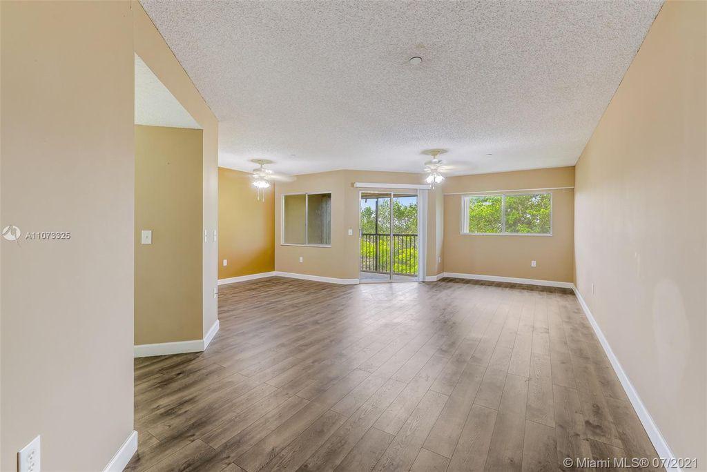900 SW 142nd Ave #412L, Pembroke Pines, FL 33027