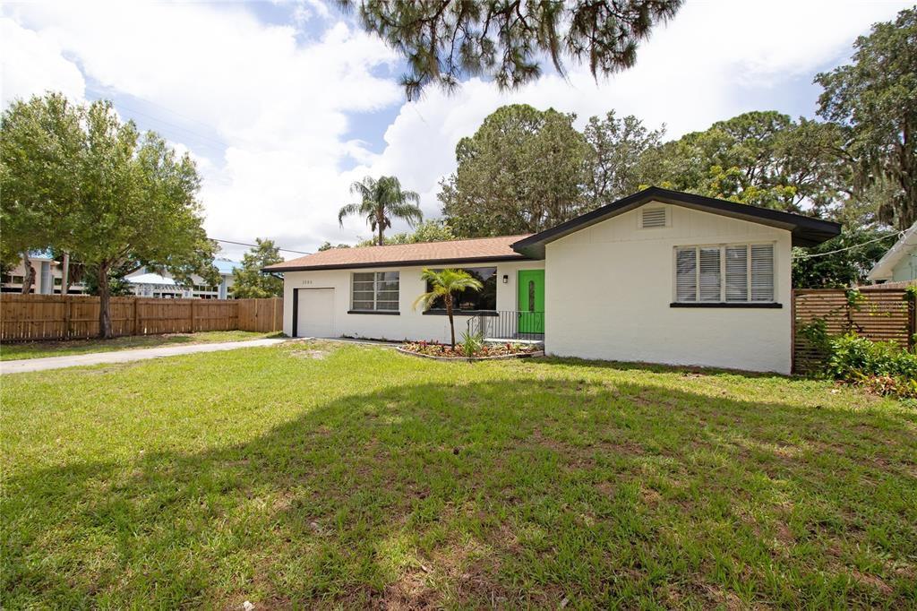2586 Tami Sola St, Sarasota, FL 34237