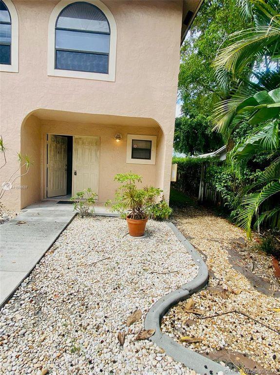 5200 NE 14th Way #405, Fort Lauderdale, FL 33334
