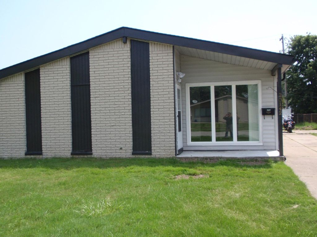 20142 Electra St, Clinton Township, MI 48035