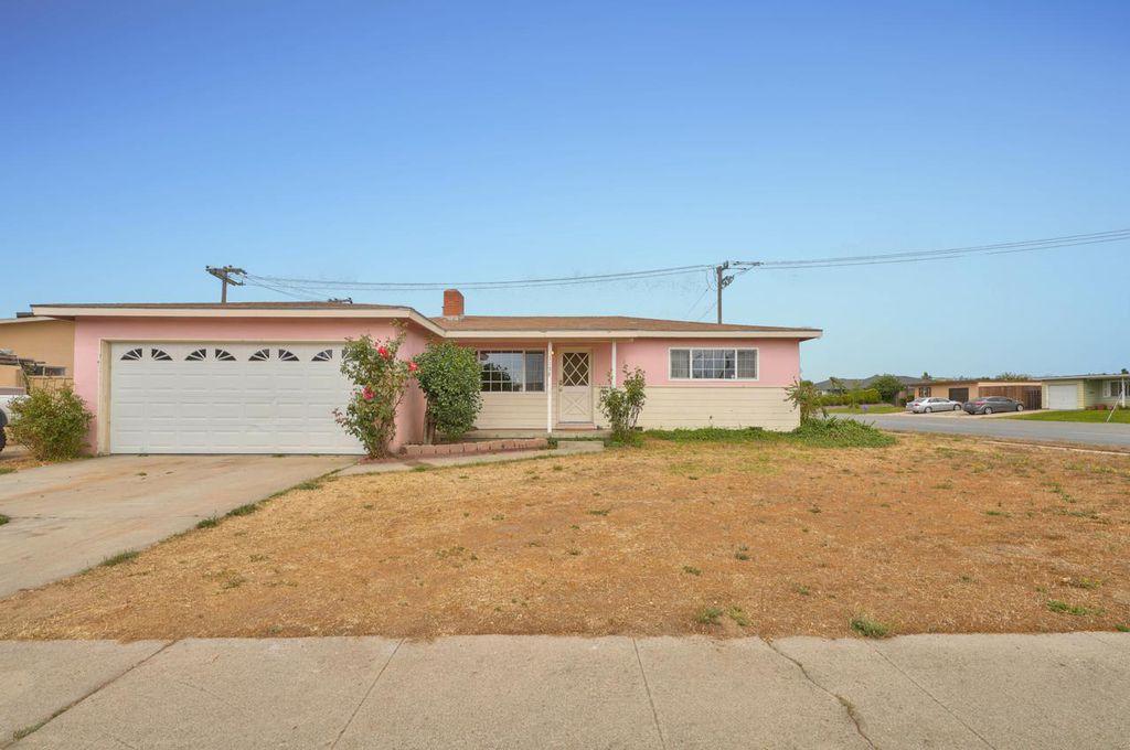 1195 Granada Ave, Salinas, CA 93906