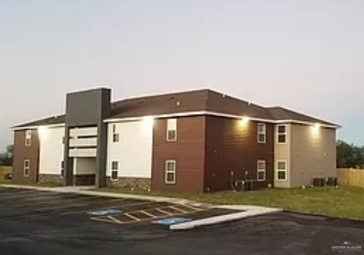200 S Alex Ave, La Joya, TX 78560