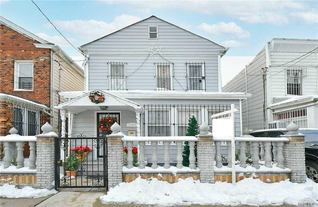 298 Grant Ave #1, Brooklyn, NY 11208