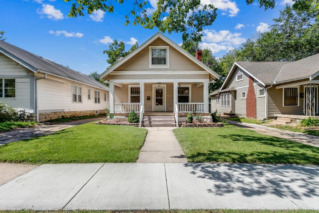 421 N Clifton Ave, Wichita, KS 67208