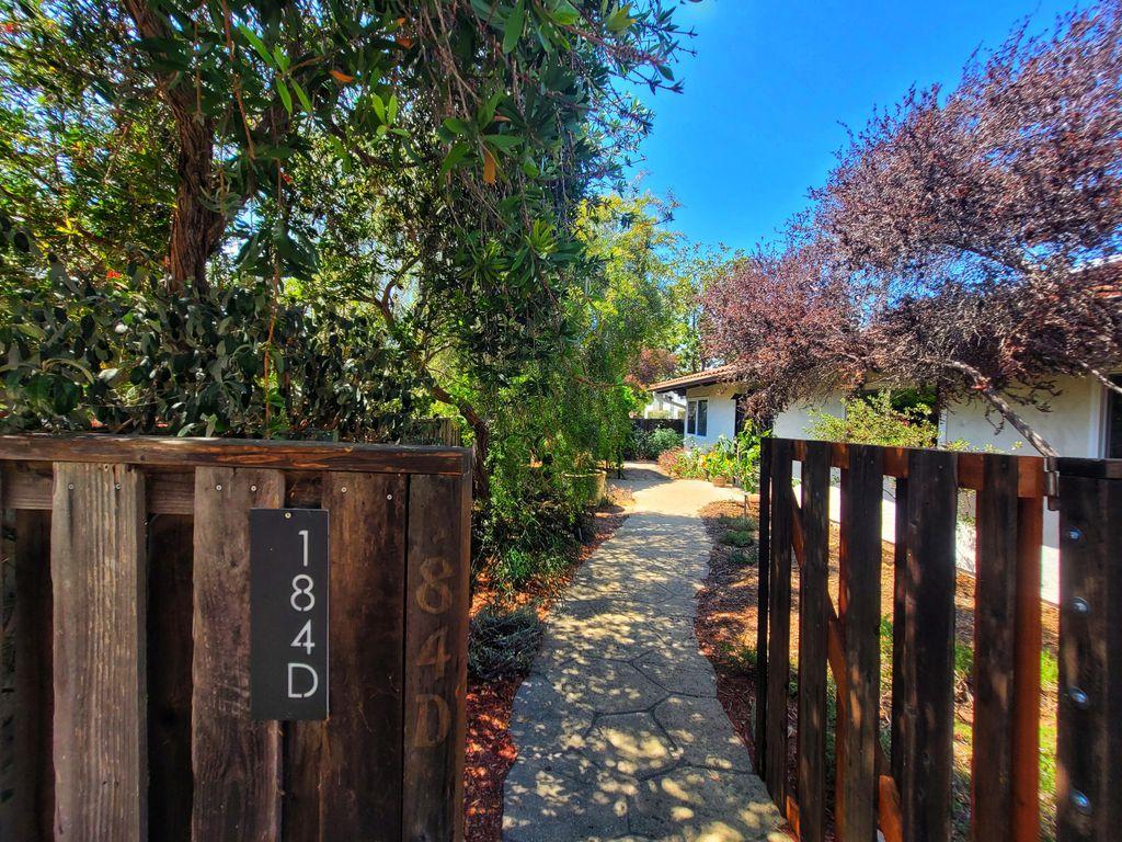 184 Kingston Ave #D, Goleta, CA 93117