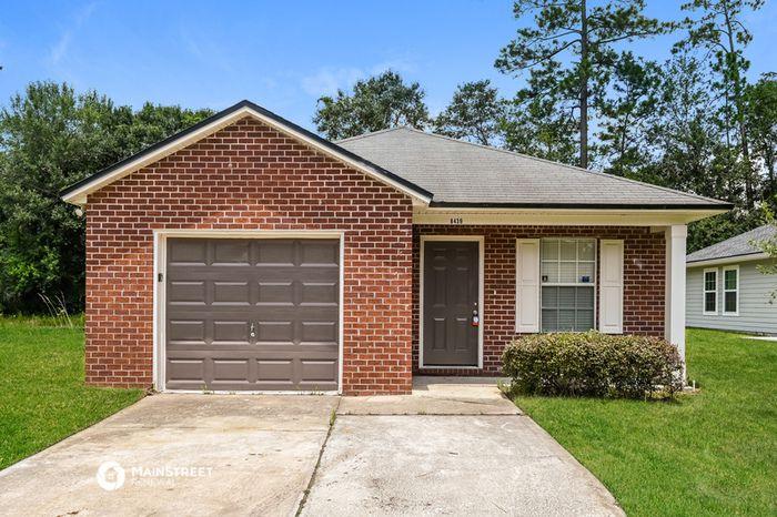 8439 Hewitt St, Jacksonville, FL 32244