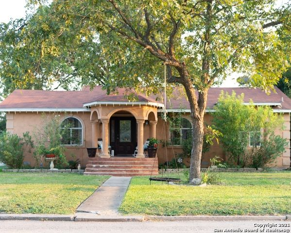 402 Hermine Blvd, San Antonio, TX 78212