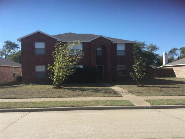 724 Meandering Dr, Cedar Hill, TX 75104