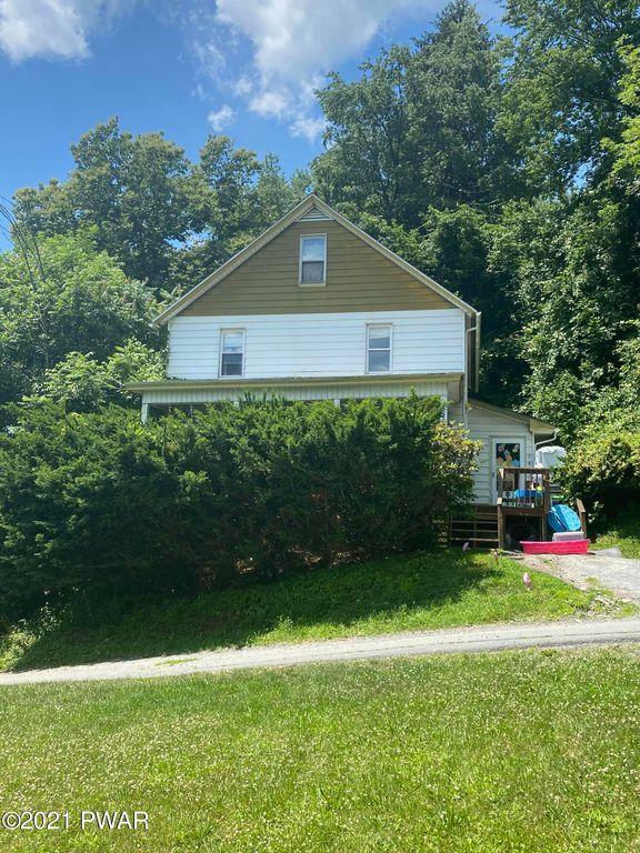 9 Smith Ln, Honesdale, PA 18431